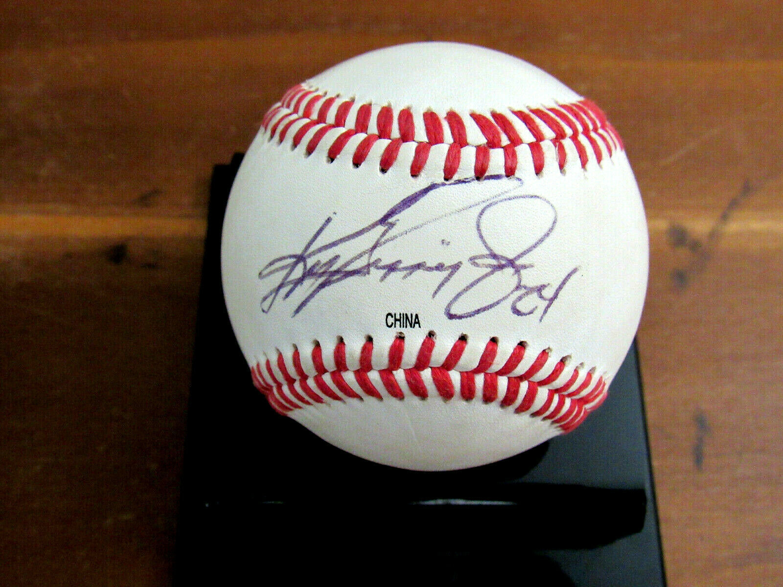 Primary image for KEN GRIFFEY JR # 24 MARINERS REDS HOF SIGNED AUTO VINTAGE BASEBALL JSA AUTHENTIC