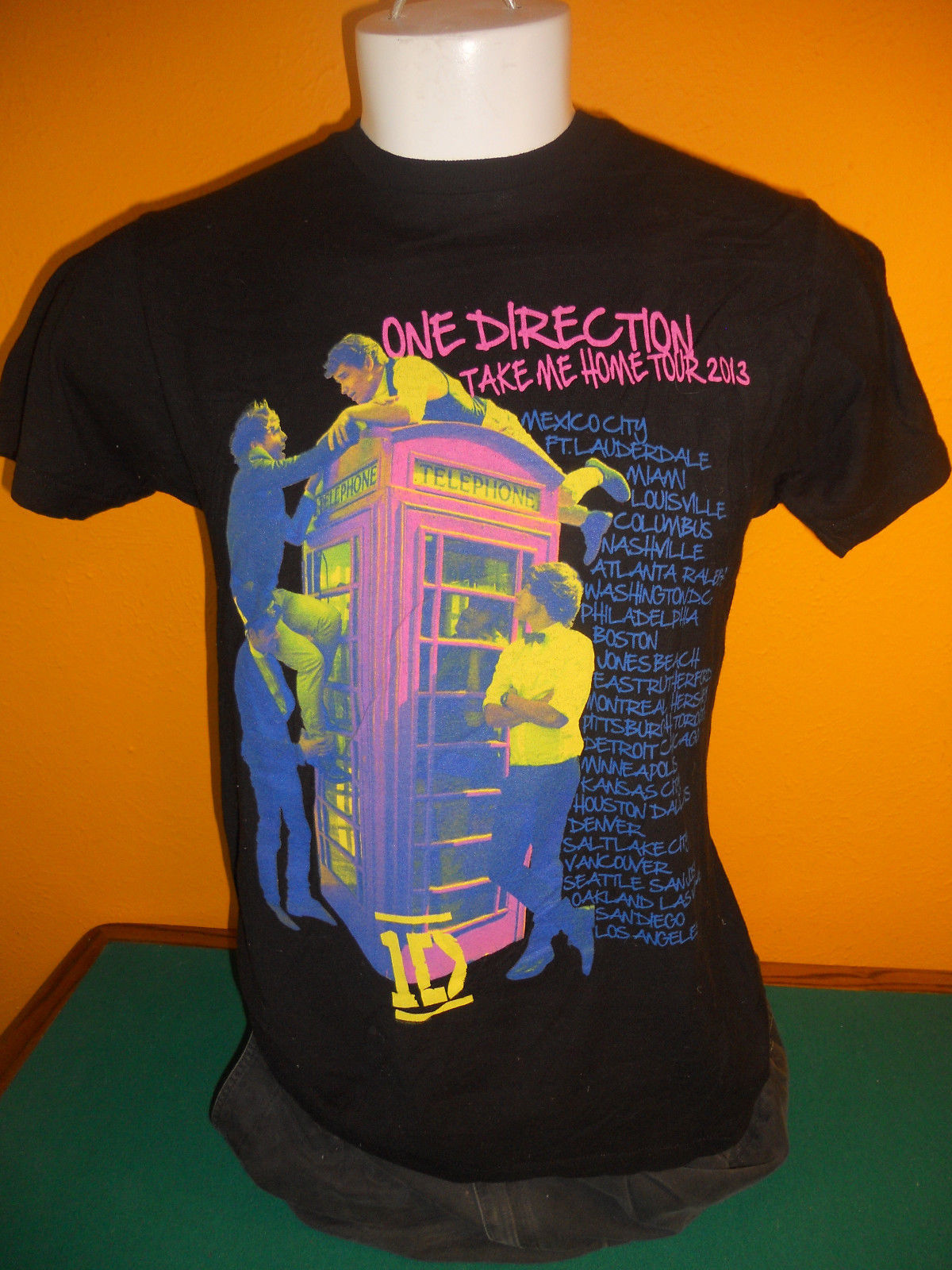 one direction black concert tour t shirt take me home tour. Black Bedroom Furniture Sets. Home Design Ideas