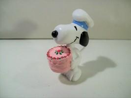 Vintage P EAN Uts Snoopy Cake Baker Pvc Figure Applause Baker Snoopy - $14.65