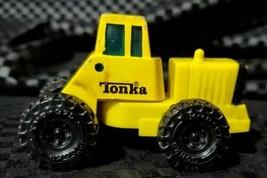 VINTAGE 1992 Tonka Truck Yellow Tractor RETRO Bendable Turning Auto Diecast Toys - $9.90