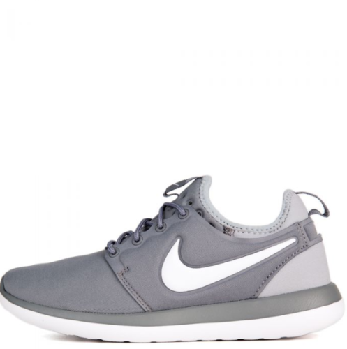 Nike TWO GREY/WHITE Kids Roshe Two Sneaker (GS) Size US 5Y