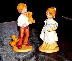 Boy and Girl Figurines (Avon) 1981 AA18 - 1183  Pair ofVintage image 2