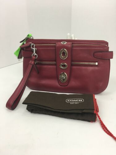 Coach Archival Wristlet 40207 Legacy Red Glove Leather Turnlock Clutch Bag B26 image 3