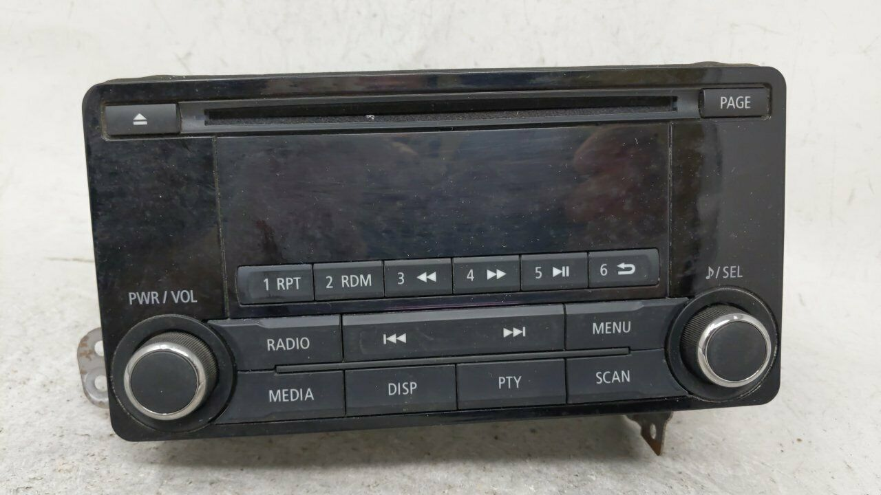 2014 Mitsubishi Outlander Am Fm Cd Player Radio Receiver 54765 - $234.27