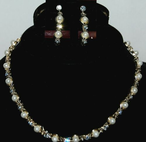 BVT NKER Necklace and Earring Set Clear Rhinestones Pearl Colored Beads