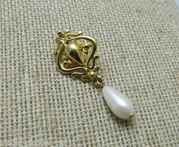 VTG Victorian Styled Gold Tone Faux Pearl Dangle Necklace Pendant - $9.90