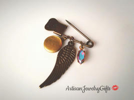 Boho Angel Wing Brooch Tiny Locket Pin Rare Aurora Borealis Antique Gem ... - $45.00
