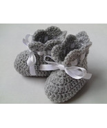 Crochet Baby Booties Pattern tutorial PDF file, grey baby booties, satin ribbon - $1.49
