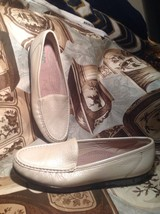 """Sas """"Simplify"""" Ivory Women's Shoes Flats 9N Leather Comfort Loafer """"New"""" - $49.49"""