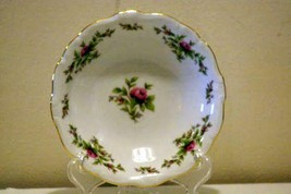 Johann Haviland Traditions Moss Rose Berry Bowl - $3.46