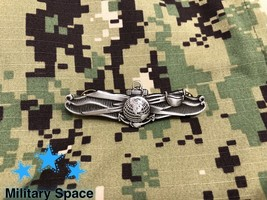 Mini Original Us Navy Information Warfare Specialist Insignia Eiws Pin Badge - $17.80