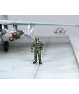 USAF Ground Support Crew in Chemical warfare gear 1:72 Pro Built Model #10 - $14.83