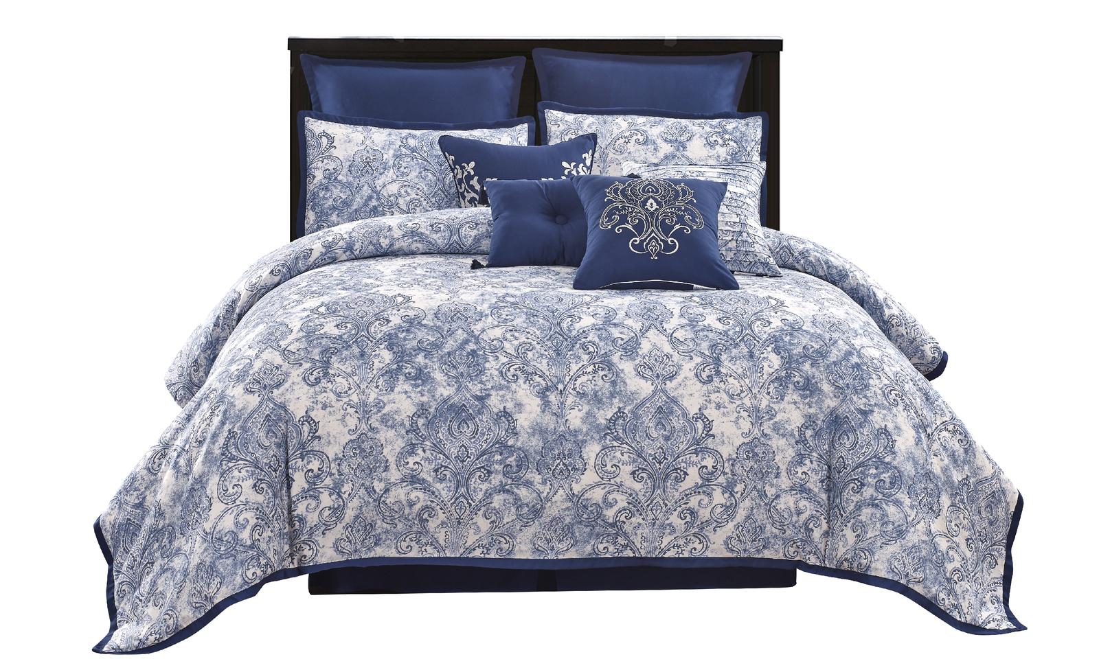 Celeste blue comforter front 4200x2520