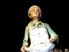 Figurine of Old Woman gathering eggs HOMCO 1434 AA19-1619 Vintage image 6