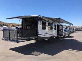 2019 GRAND DESIGN MOMENTUM G-CLASS 25G For Sale In Woodland Hills, CA 91367 image 3