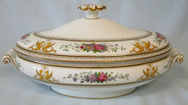 Wedgwood Columbia Covered Oval Casserole Yellow Griffins Gold Trim - $193.93