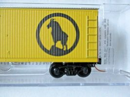 Micro-Trains #04700420 Great Northern 40' Double-Sheathed Wood Reefer N-Scale image 3