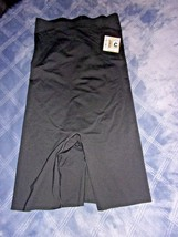 Size M NWOT Spanx Thinstincts High-Waisted Mid-Thigh Short MSRP $72.00 - $31.48