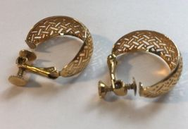 Napier Thick Hoop Criss Cross Gold Tone Screw Back Earrings Vintage Women  image 7