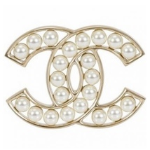 NEW 100% AUTHENTIC CHANEL Gold Pearl CC Logo Iconic PIN BROOCH