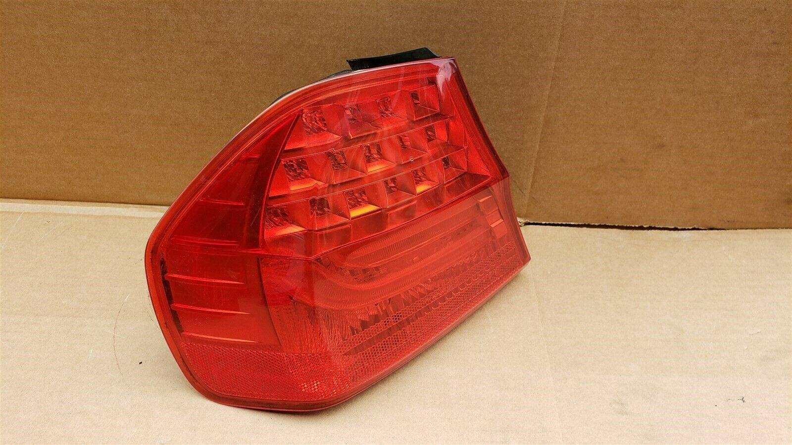 09-11 BMW E90 328 335 Sedan LCI Outer Tail Light Taillight Driver Left LH