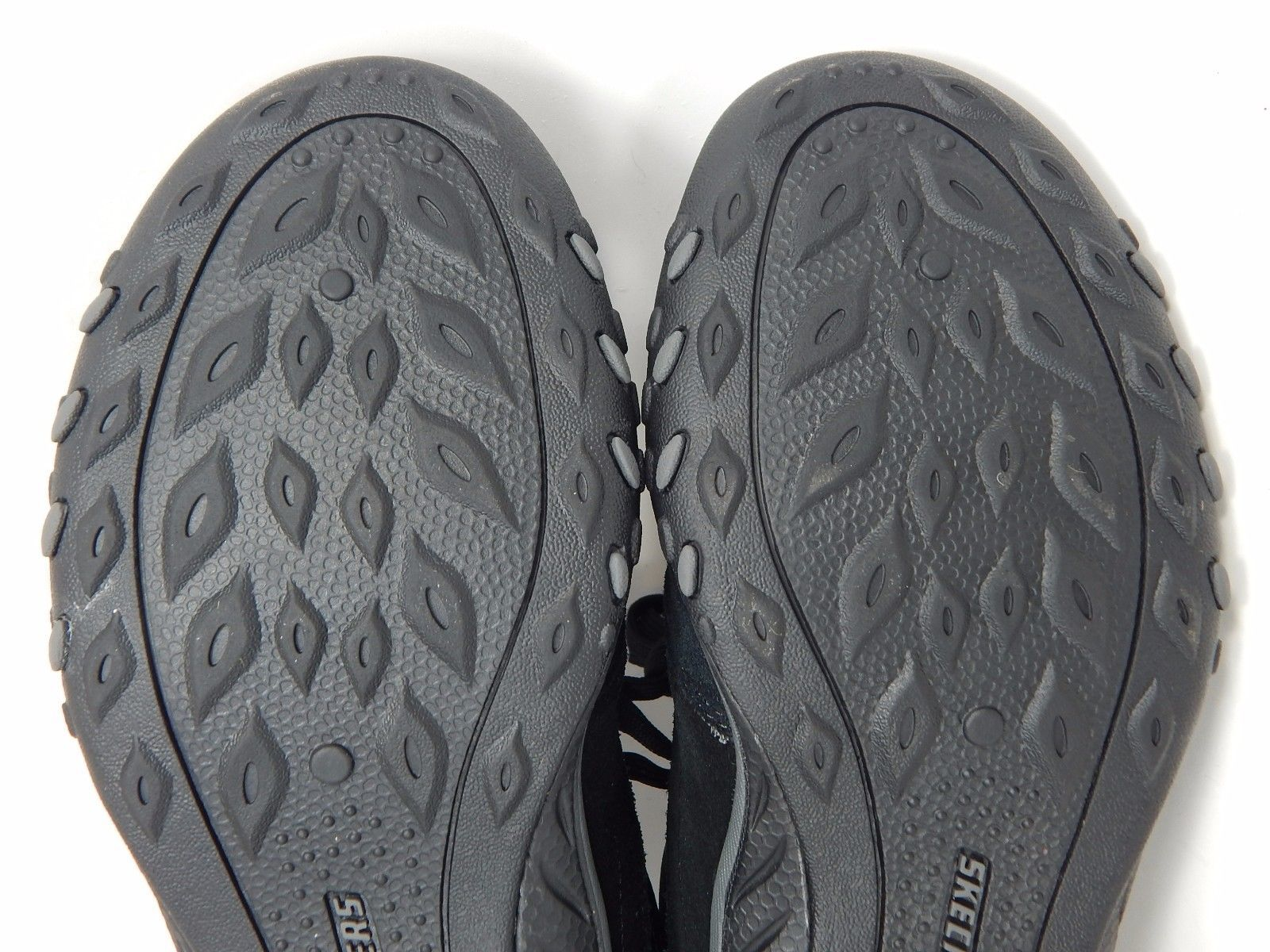 Skechers Relaxed Fit Breath Easy Women Comfort Shoes Size US 8 M (B) EU 38 Black