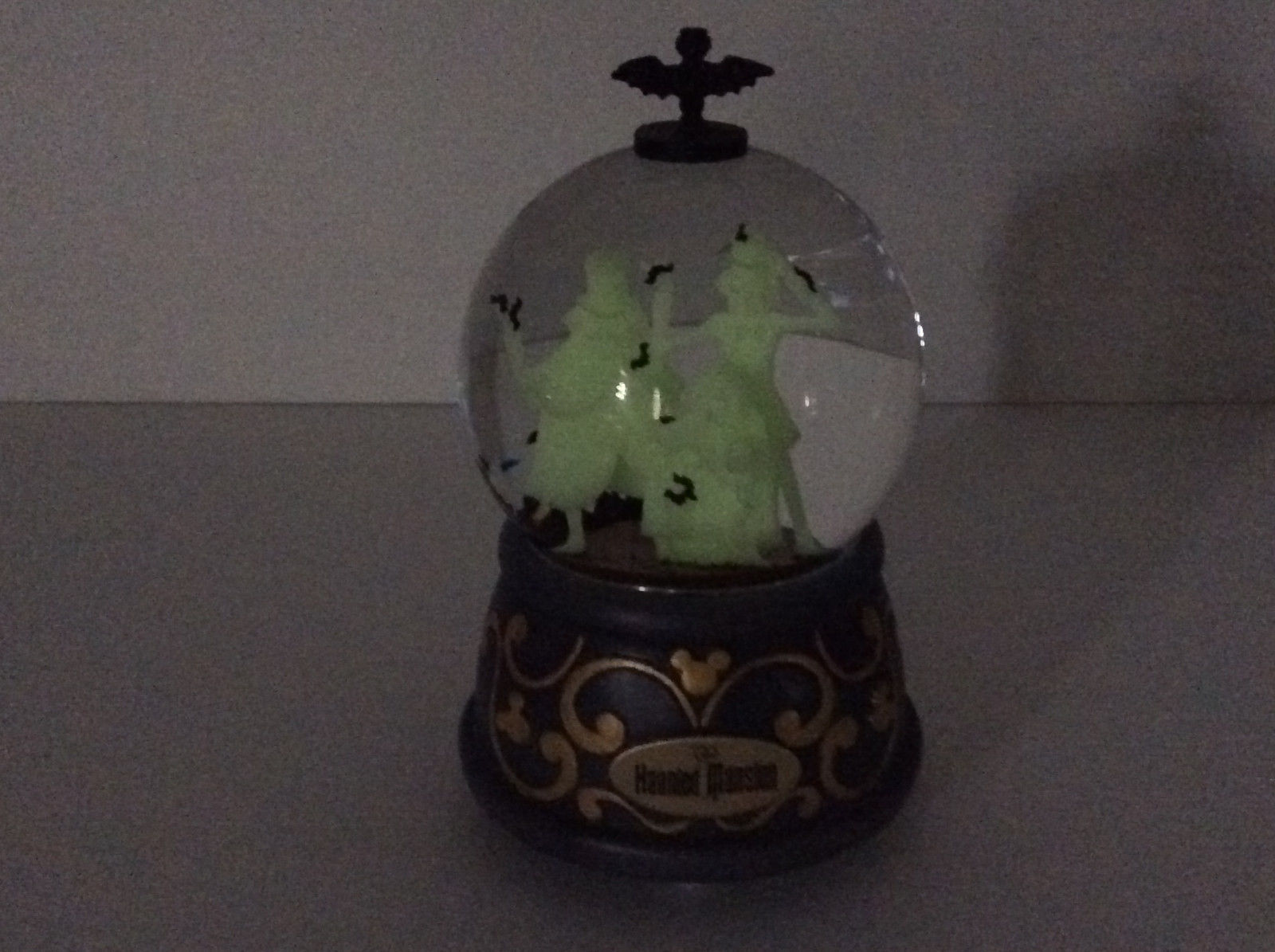 Disney Parks Haunted Mansion Hitchhiking Ghosts Musical Snow Globe Glows NEW
