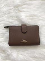 NWT COACH Medium Corner Zip Wallet In Croosgrain Leather F11484 - $78.00