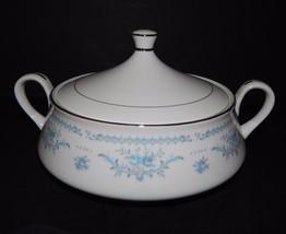 Ekco International Exquisite Fine China Winsford Covered Bowl Tureen Blu... - $39.59