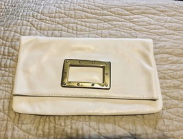 NWTBanana Republic White Pebble Grain Leather Foldover Clutch Purse Medium - $68.28 CAD