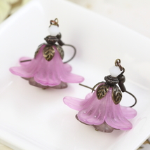 Purple Earrings, Flower Earrings, Lucite Earrings, Floral Earrings, Lily... - $15.00