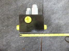 AT467541 John Deere Hydraulic Pressure Valve  image 5