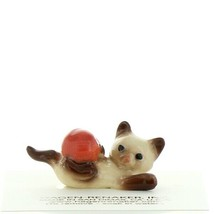 Hagen Renaker Cat Siamese Kitten with Yarn Ceramic Figurine