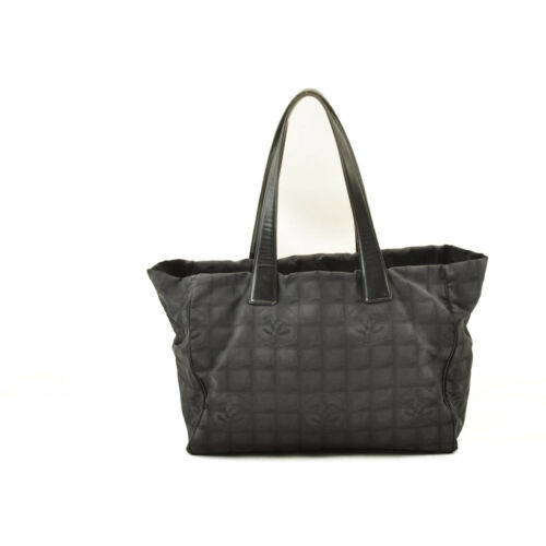CHANEL New Travel Line Tote Bag Black CC Auth 10653 **TEAR image 3