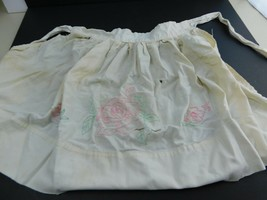 VINTAGE Girl CHILD APRON 1950's Off White with Roses - $13.99