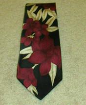 Necktie Van Heusen 417 Men's Neck Tie EUC Silk Red Tan Black Floral Trop... - $18.00