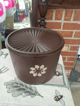 Tupperware Brown/Chocolate Canister Vintage (one) - $7.43