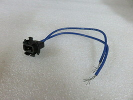 W5 Genuine Evinrude Johnson OMC 172952 Bulb Socket OEM New Factory Boat Parts - $10.59