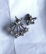 AUTH Christian Dior 2018 LIMITED EDITION CD Logo Pearl CRYSTAL STAR EARRINGS  image 4