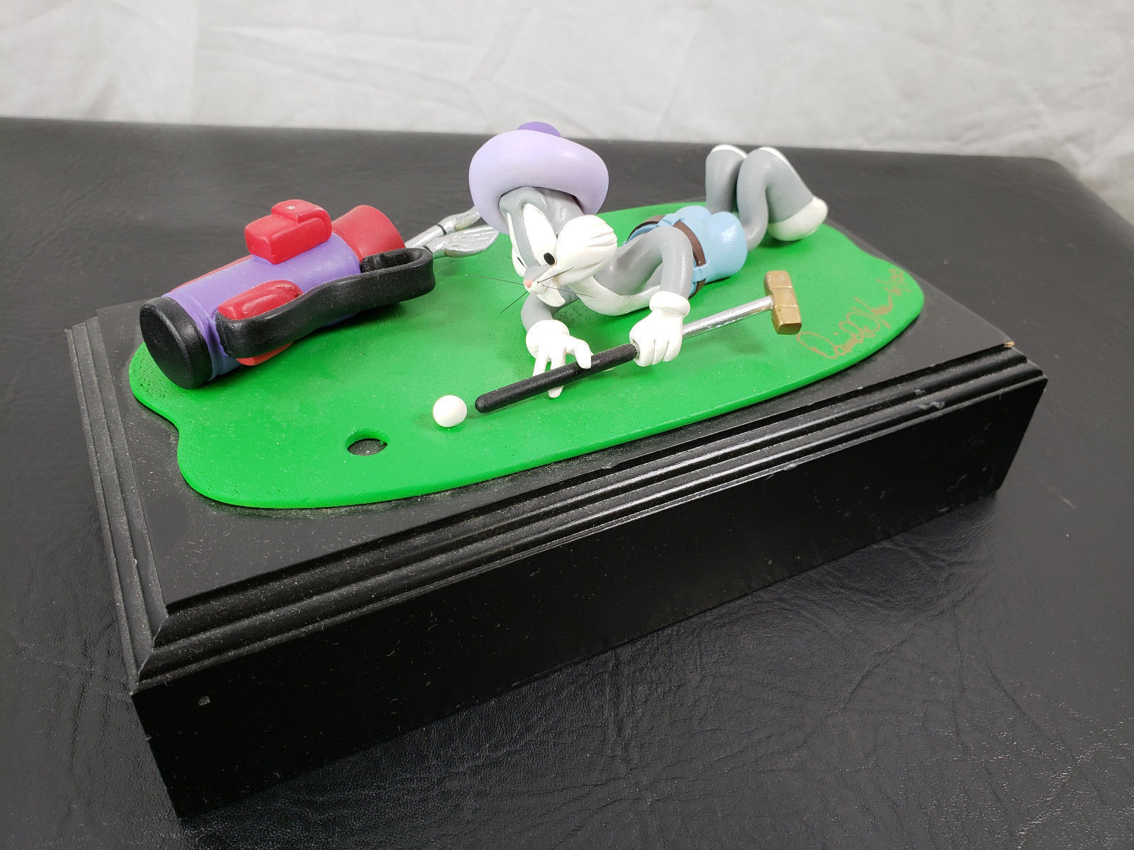 Primary image for Extremely Rare! Looney Tunes Bugs Bunny Playing Golf Figurine LE of 100 Statue