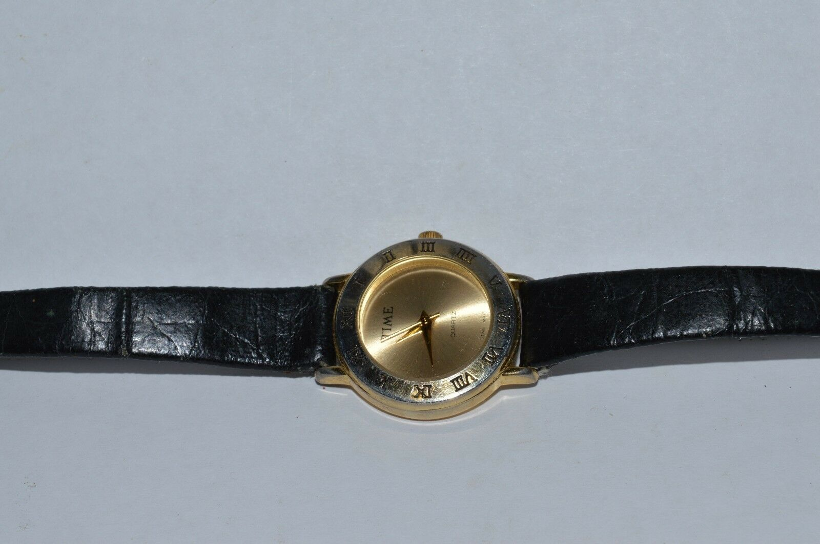 Vintage ''TIME'' women's quartz watch, Leather band,  Runs,  NEW BATTERY image 5