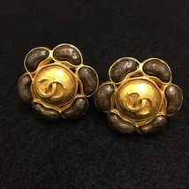 Authentic CHANEL Vintage Gold Logo Clip Earrings Coco HCE156 - $406.30