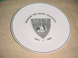Corelle Corning Rare Fall 1981 M. I. T. Executives Limited Edition Dinner Plate - $26.17