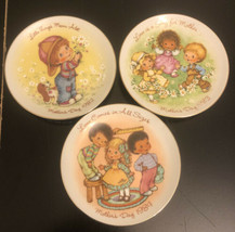 "Vtg Lot Of 3 Avon Mothers Day 5"" Porcelain Decorative Plates Gold Trim - $13.86"