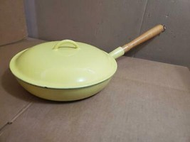 "YELLOW DESCOWARE FE #28 CAST IRON 11"" WOOD HANDLED SKILLET WITH LID BELG... - $123.26 CAD"