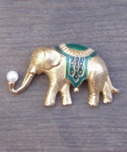 Vintage Trifari Green Enameled Elephant Brooch w Faux Pearl - $43.00