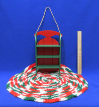 Wood Sled Wall Shelf Red & Green & Christmas Doily Crocheted Placemat De... - €11,01 EUR