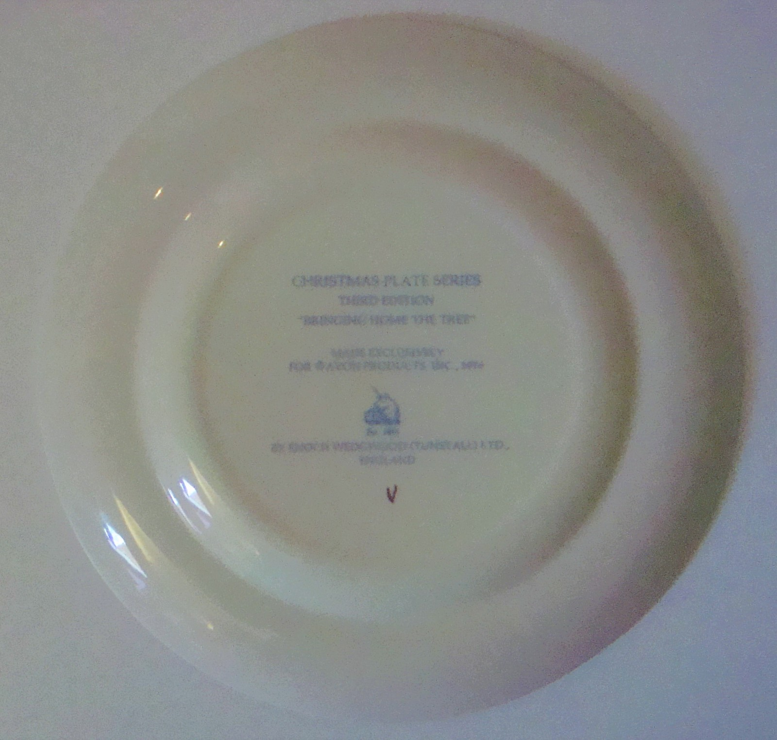 Avon Bringing Home the Tree Christmas Plate 1976 by Wedgewood, with box