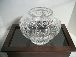 """Vintage Crystal Bowl Pineapple Design Cut Lines 6"""" High, 7"""" width Excell... - $14.80"""