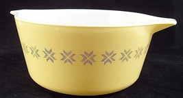 1960s Pyrex 474-B Yellow Town & Country Cross Stitch 1.5 Quart Casserole Dish - $11.53